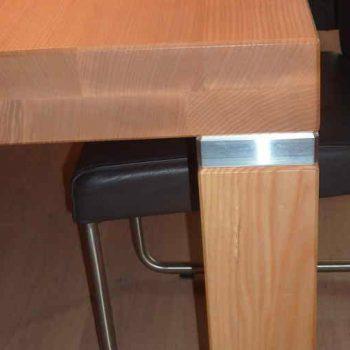 Esszimmertisch mit Aluminium - Platten